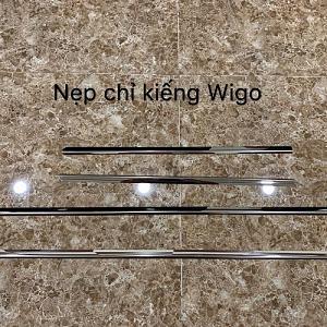 NẸP CHÂN KÍNH TOYOTA WIGO 2018